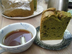 抹茶のシフォンケーキ